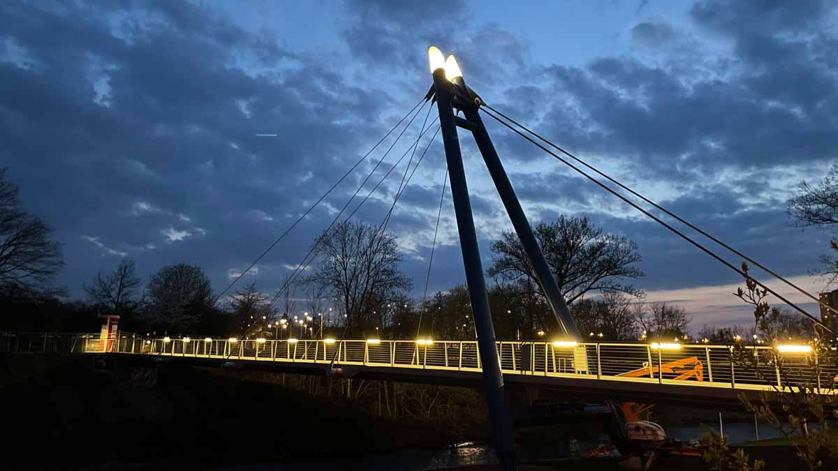 Erfurter: Die Pappelstiegbrücke bei Nacht