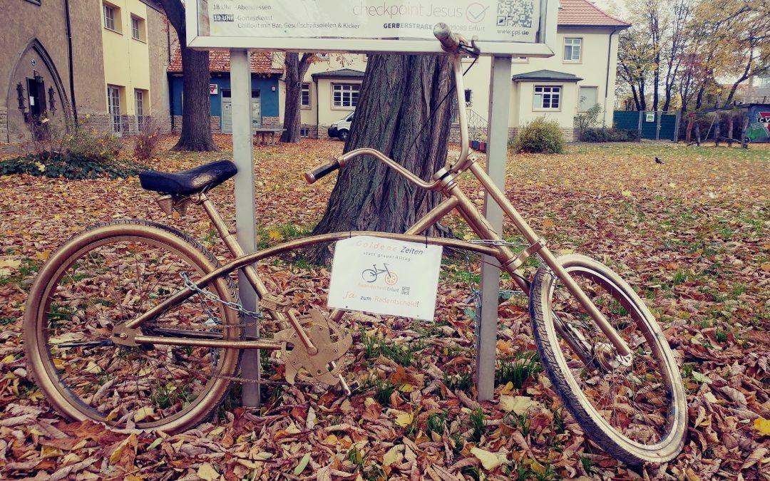Das Goldene Fahrrad an der Lutherkirche
