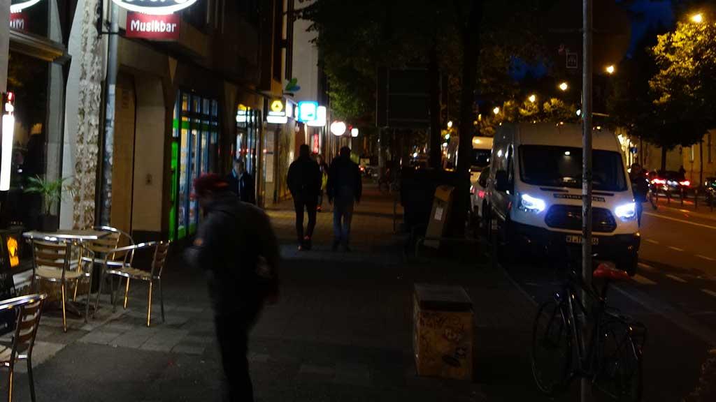 Die Magdeburger Allee nach 18 Uhr