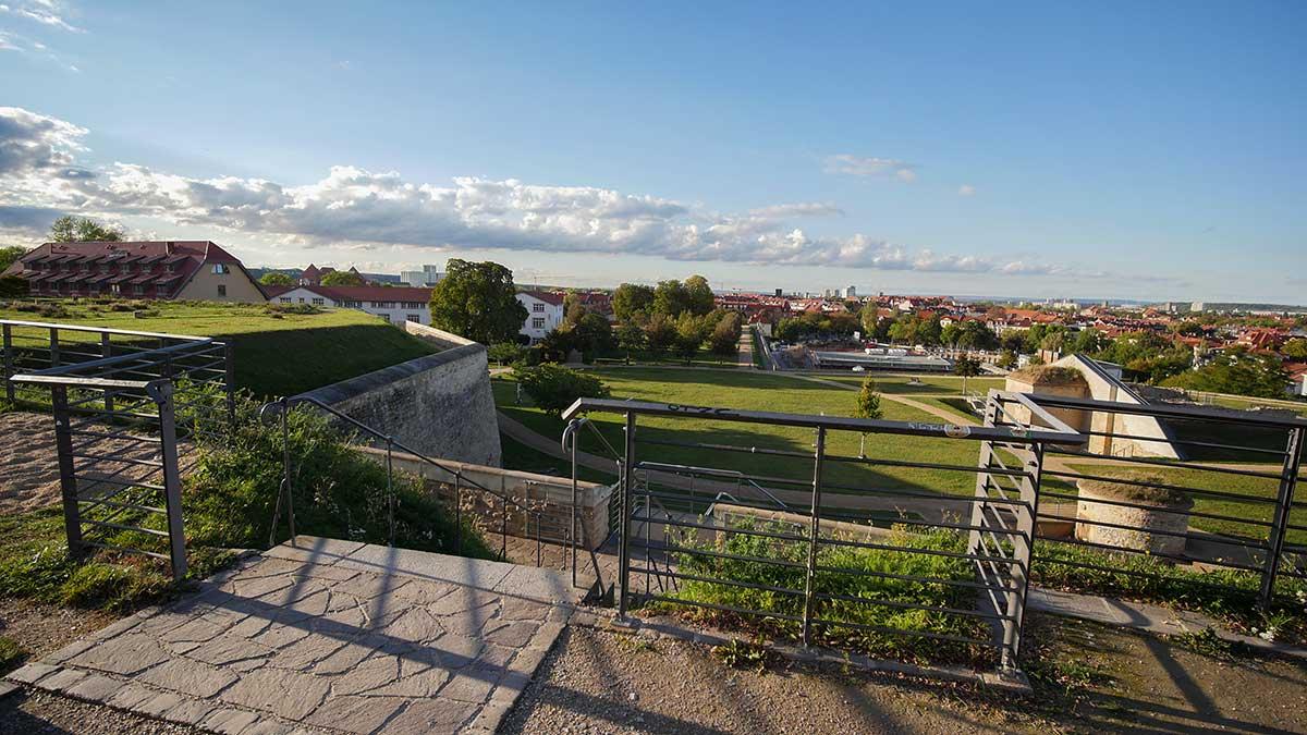 Blick zum nördlichen Teil der ehemaligen Zitadelle Petersberg in Erfurt.