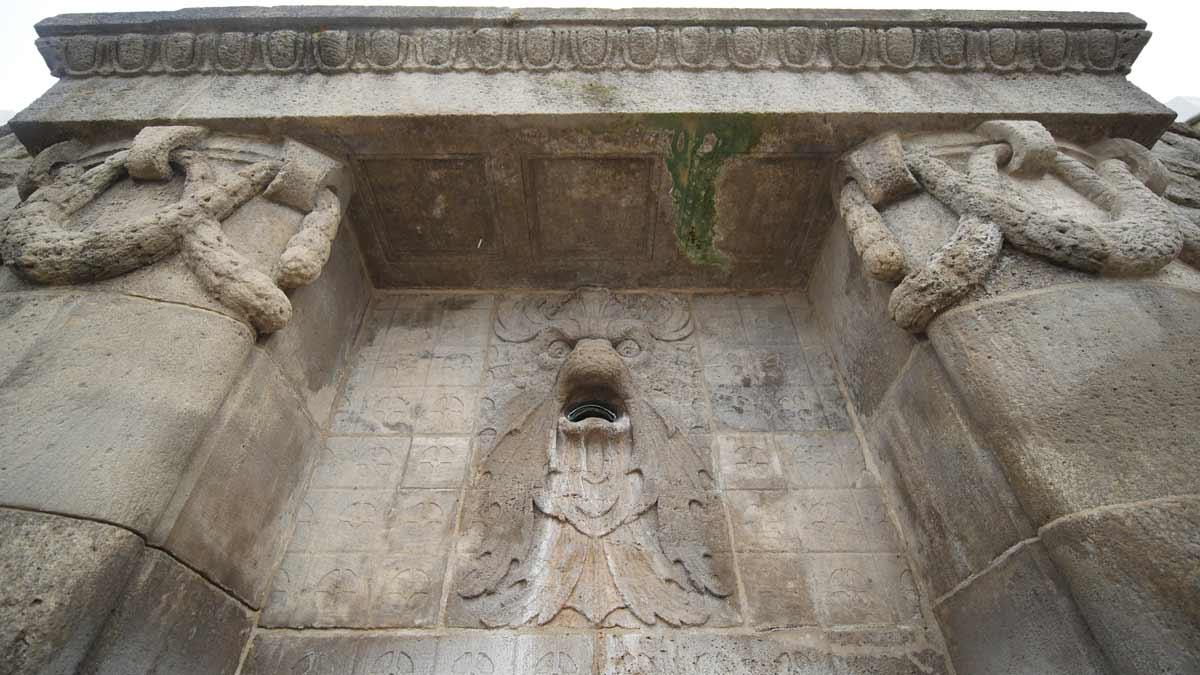 Ein Blick von der Empore in den Altarraum der Kirche in Töttleben