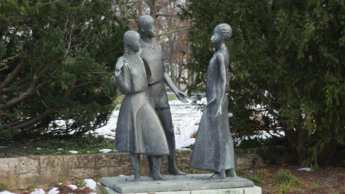 Skulpturengruppe im Stadtpark Erfurt