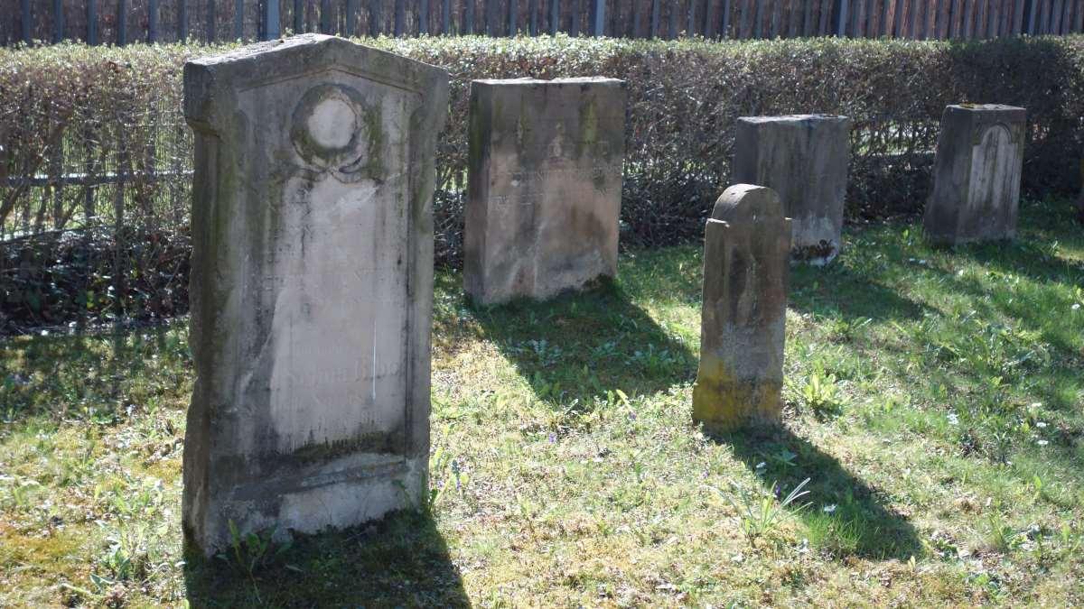 Grabsteine auf dem alten jüdischen Friedhof in Erfurt