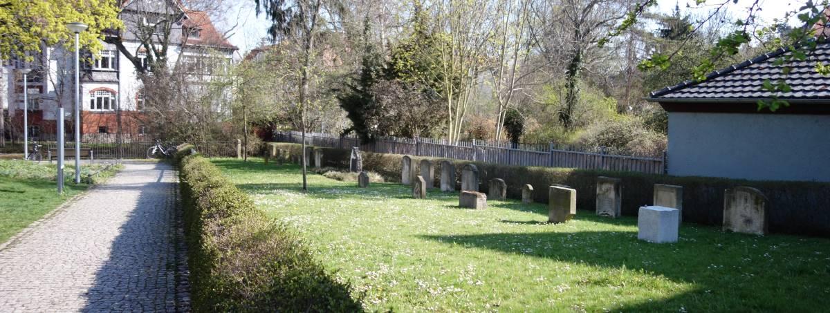 Gelände des alten juedischen Friedhofs in Erfurt