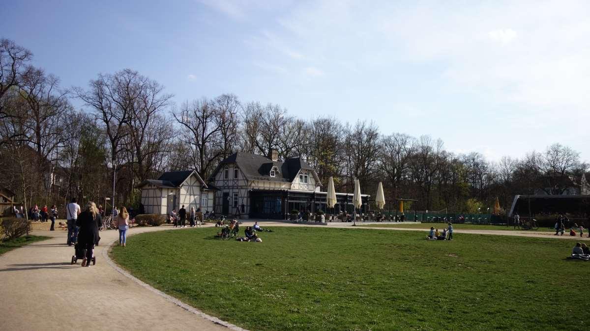 Der Espachpark mit dem Espachcafe in Erfurt