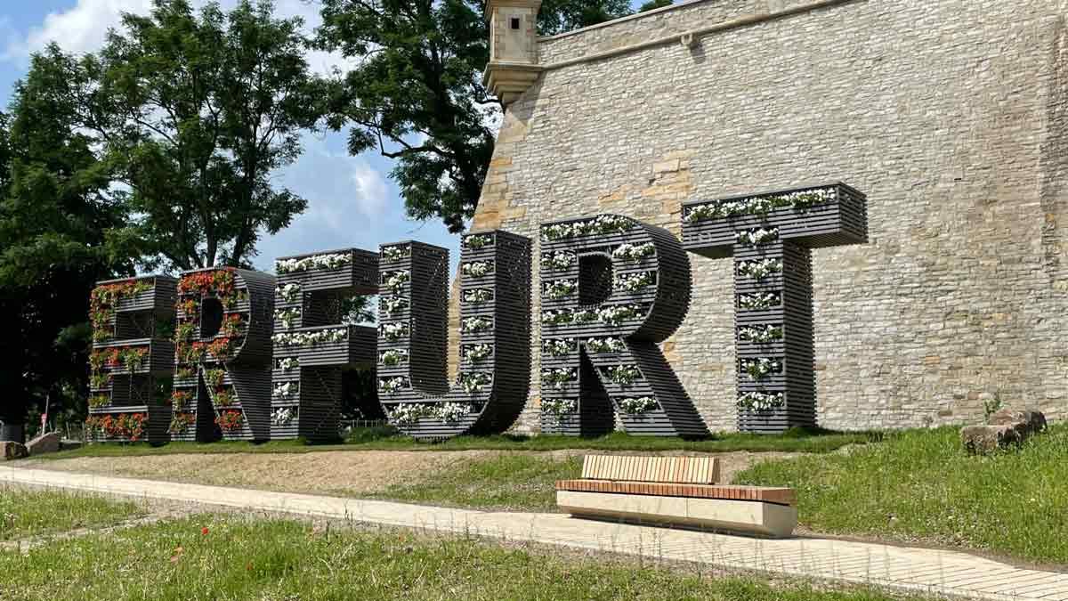 Der große Erfurt-Schriftzug am Petersberg